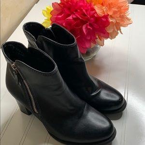 Natural Soul black bootie  - Sz 8